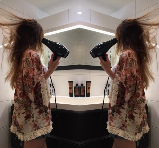 Hoe föhn ik mijn haar in model